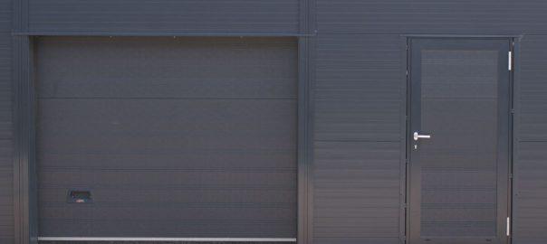 гаражни врати от плътен ламел