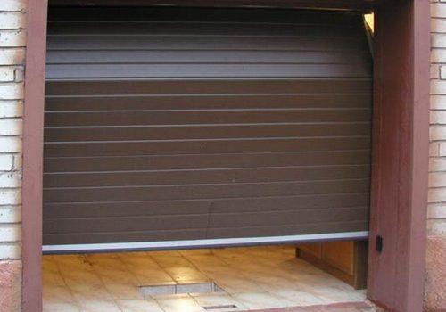 охранителна гаражна врата