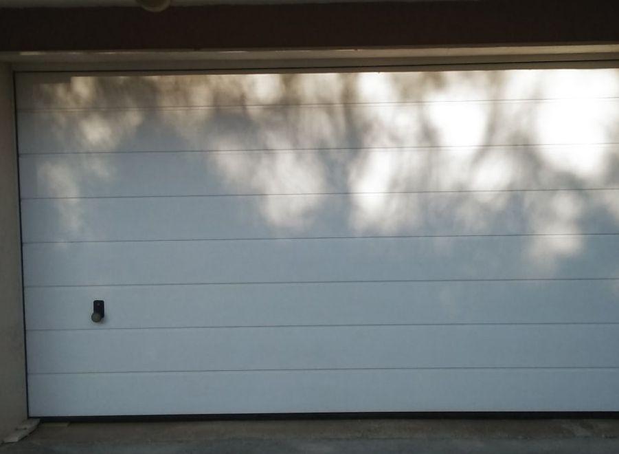гаражни врати с електрически двигател